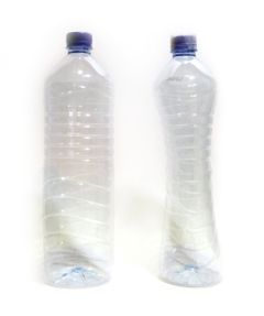 botella que se aplasta